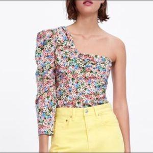 NWT asymmetric one sleeve floral blouse